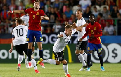 Alemania celebra el triunfo sobre España tras el pitido final.