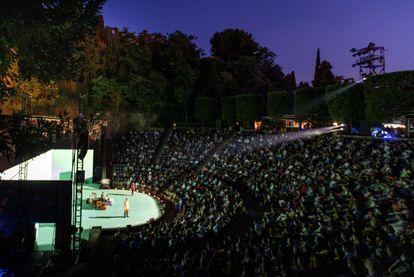 'Carrer robadors', de Julio Manrique, abrió el Grec 2021.