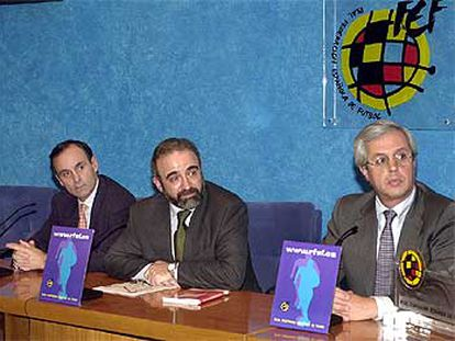 Argimiro Vázquez, Fernando Sequeira y J. José Zornoza (de izquierda a derecha), los tres miembros del comité.