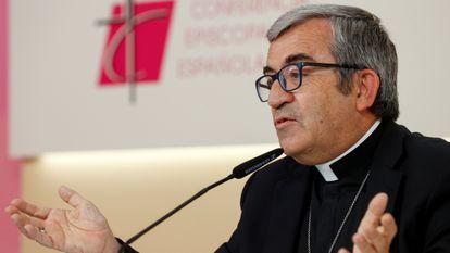 El portavoz de la Conferencia Episcopal Española, Luis Argelo, habló en una rueda de prensa en Madrid este jueves tras una reunión del Comité Permanente de Obispos.