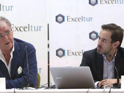 José Luis Zoreda (a la izquierda), vicepresidente ejecutivo de Exceltur, y Óscar Perelli director de estudios de Exceltur.