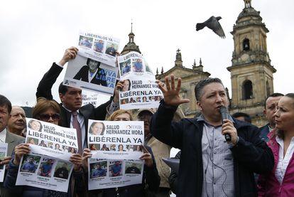 El periodista colombiano Herbin Hoyos, durante una manifestación en mayo de 2016.