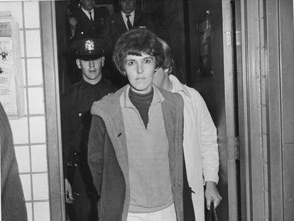 Valerie Solanas a su llegada al juzgado tras disparar a Andy Warhol el 3 de junio de 1968.