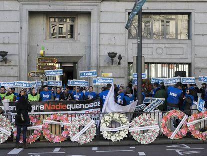 Funcionarios de prisiones se manifiestan ante la sede en Madrid de Instituciones Penitenciarias el pasado enero