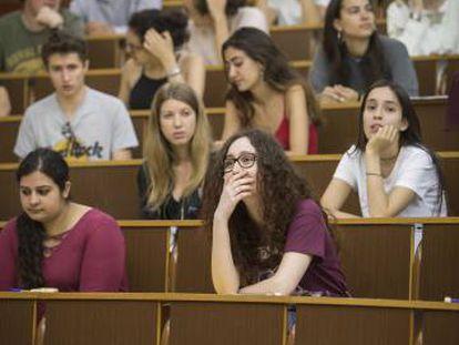 Pruebas de selectividad en la Facultad de Biología de la Universitat de Barcelona.