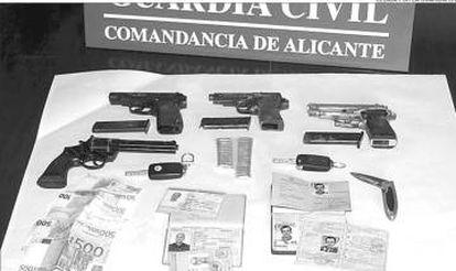 Armas intervenidas por la Guardia Civil en la operación que salpicó al pintor Karisik.