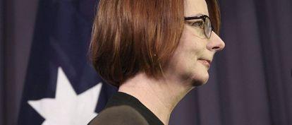 La primera ministra australiana, Julia Gillard, tras votar sobre su continuidad al frente del Gobierno.