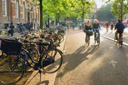 Imagen captada en 2010 en la plaza Spui de Ámsterdam.