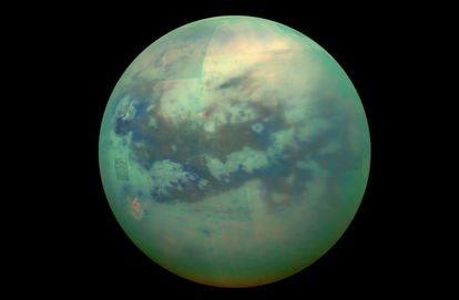 Composición de las nubes de Titán captadas por la sonda 'Cassini'. Están formadas por hidrocarburos que se precipitan como una llovizna de metano.