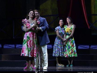 'Los gavilanes' en el Teatro de la Zarzuela. En primer plano la soprano Leonor Bonilla y el tenor Alejandro del Cerro.