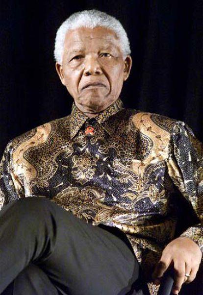 El ex presidente surafricano Nelson Mandela, en 2001.