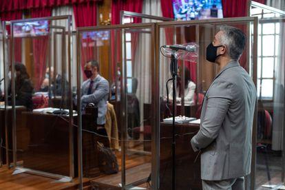 El exjefe de la brigada antidroga carga contra la actuación del juez de instrucción y la fiscal en el uso del derecho a la palabra durante la última sesión del juicio de la Operación Zamburiña