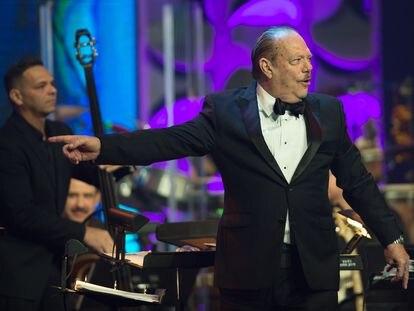 Larry Harlow en un concierto en Miami en 2016.