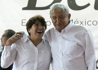 La nueva secretaria de Educación, Delfina Gómez, junto a López Obrador, en un acto en septiembre de 2019.