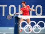 Tokyo 2020 Olympics - Tennis - Women's Singles - Round 2 - Ariake Tennis Park - Tokyo, Japan - July 26, 2021. Carla Suarez of Spain in action during her second-round match against Karolina Pliskova of Czech Republic REUTERS/Piroschka Van De Wouw