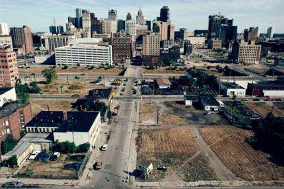 En el centro de Detroit (en la imagen en 1991) se han demolido en los últimos años grandes edificios que fueron míticos.
