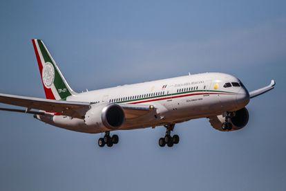 El avión presidencial mexicano en funcionamiento.