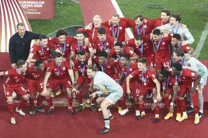 Los jugadores del Bayern de Múnich celebran haber ganado el último Mundial de Clubes en Qatar.