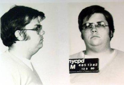 Primera fotografía de la ficha policial de Mark David Chapman. Aquí tenía 25 años.