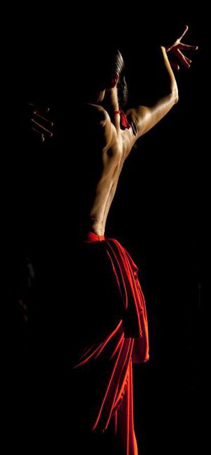 Sara Baras, en el rodaje de 'Flamenco, flamenco', de Carlos Saura, con fotografía de Vittorio Storaro.