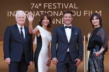 From the left, André Dussollier, Sophie Marceau, François Ozon and Geraldine Pailhas, at the entrance to their gala session in Cannes yesterday afternoon.