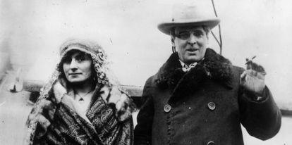 William Butler Yeats y su mujer.