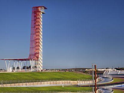 Vista de la torre de Miró y Rivera en el circuito de Austin (Texas).