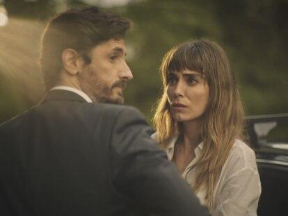 Juan Diego Botto e Irene Arcos en 'Todos mienten', de Movistar+.
