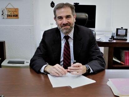 El presidente del Instituto Nacional Electoral, Lorenzo Córdova, tras la entrevista.