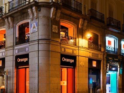 Tienda de Orange en la Puerta del Sol de Madrid.