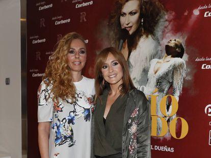 Rocío Carrasco y Anabel Dueñas en la presentación del espectáculo '¿Qué no daría yo por ser Rocío Jurado?'