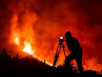 Rodaje de la película 'Cenizas', rodada en La Palma en la que, con fines solidarios, se narran la erupción y las consecuencias del volcán de La Palma a través de las notas de voz de un grupo de WhatsaApp.