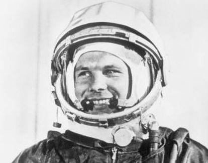 Yuri Gagarin, primer ser humano en viajar al espacio.
