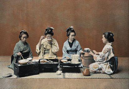 'A Dining Room' ('Un comedor'). Ilustración de 1890 del folleto 'Au Japon, Types, Costumes & Moeurs', ('En Japón, tipos, vestimenta y modales'), París, 1890. |