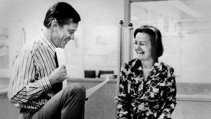Katharine Graham junto a Ben Bradlee.
