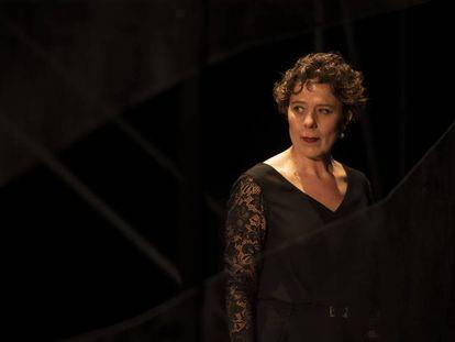 La actriz Míriam Iscla en una escena de 'Galatea', en el TNC.