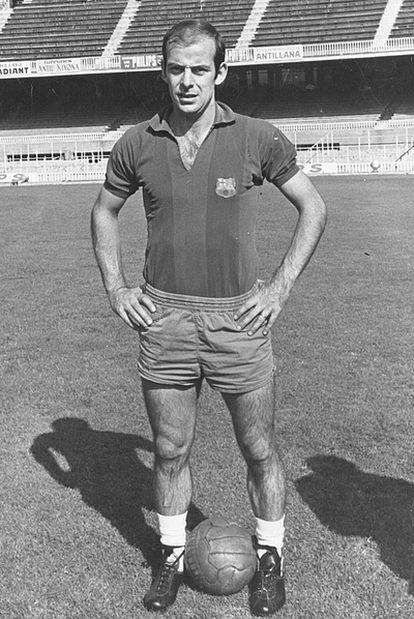 Chus Pereda posa con la camiseta del Barcelona.