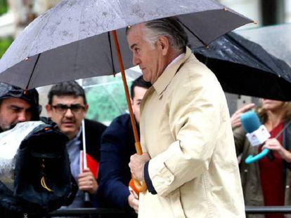 Luis Bárcenas, en la Audiencia Nacional, en una imagen de archivo. En vídeo, Carmen Calvo anuncia el levantamiento del secreto de la operación contra el extesorero.