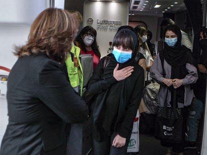 Integrantes del equipo de robótica de Afganistán, a su llegada a México.