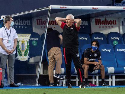 Aguirre reacciona durante el Leganés-Valencia.