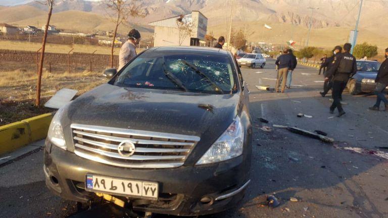 Lugar donde se ha cometido el ataque contra el científico Mohsen Fakhrizadeh, en la localidad Absard, al noreste de Teherán, este viernes.