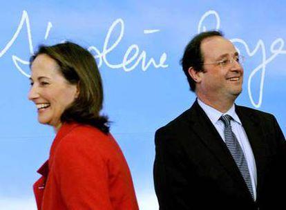 La candidata del Partido Socialista (PS) francés en las pasadas presidenciales, Ségolène Royal, y el primer secretario del PS, François Hollande.