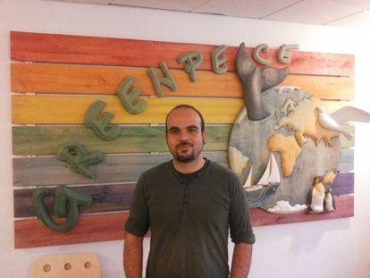 Antonio J. Delgado en la oficina en Suecia.