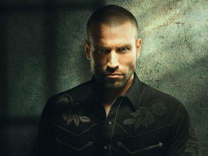 Rafael Amaya caracterizado como Aurelio Casillas, versión novelada del narcotraficante Amado Carrillo.
