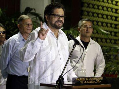 Las FARC se mantienen en la mesa de paz, pero rechazan la consulta de Santos