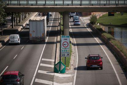 El tráfico ha disminuido entre un 15% y un 20% en grandes ciudades como Barcelona.