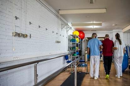 En el gimnasio del Ramón y Cajal se pueden ver las tomas de oxígeno donde se colocaron camas con enfermos de covid durante los picos de contagios.