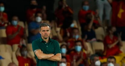 Luis Enrique, durante el partido entre la selecciónes de España y Polonia, en el estadio de La Cartuja en Sevilla, correspondiente a la fase final de la Eurocopa 2020/ 21.ALEJANDRO RUESGA