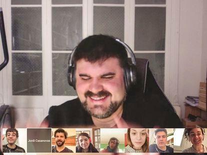 Jordi Casanovas en una reunión virtual con el equipo de 'Sopar amb batalla'.