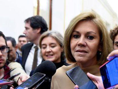 La ex secretaria general del PP preguntó al comisario jubilado por la relación del político andaluz con Bárcenas.